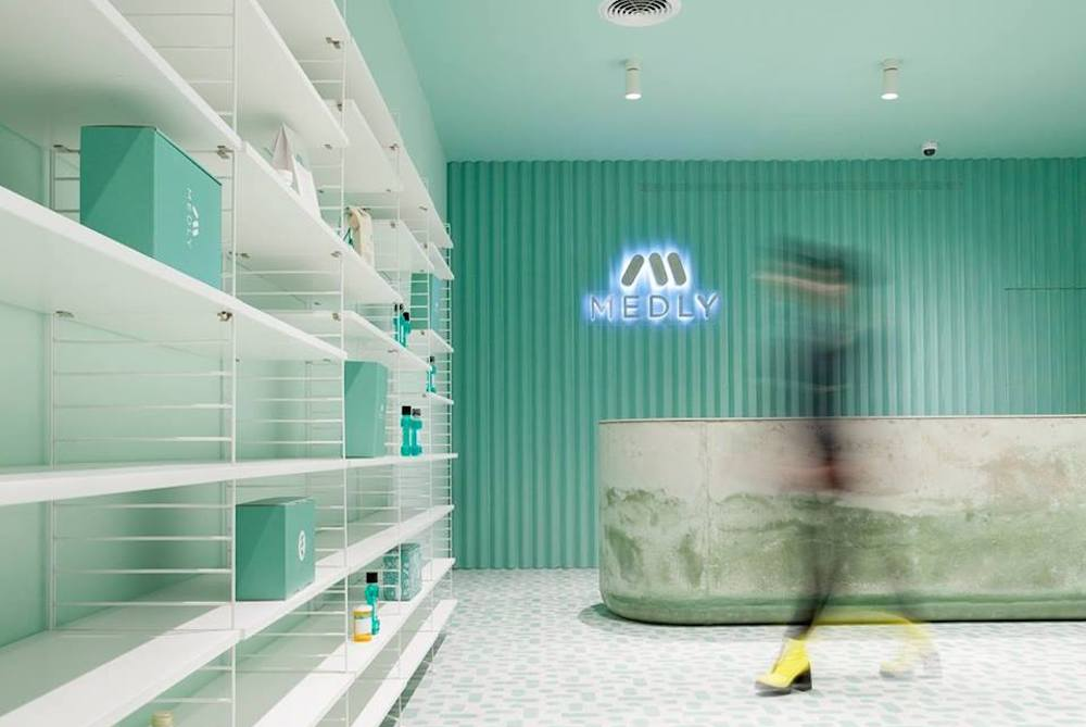 App-Based Brooklyn Pharmacy Encourages Relaxation With Aqua Interiors