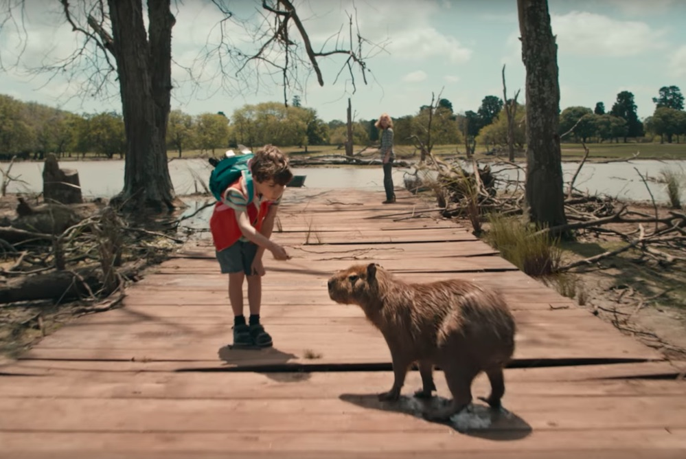 A New Delta Ad Uses Clever Camerawork To Grab Viewers' Attention
