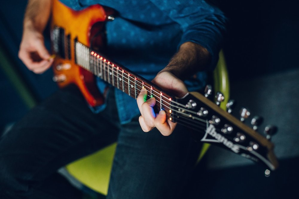 Device Turns Any Guitar Into A Music Teacher