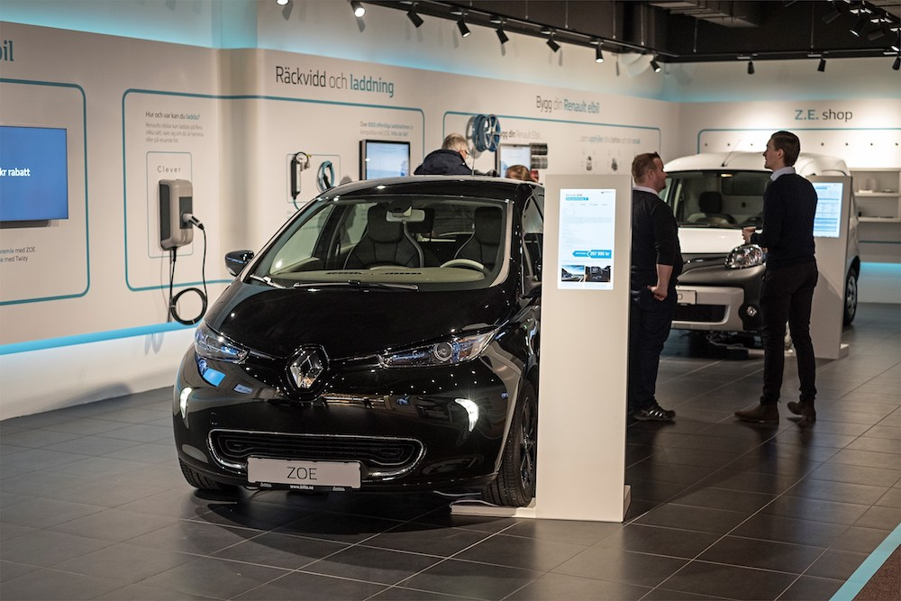 Renault Retail Concept Educates Consumers About Electric Vehicles