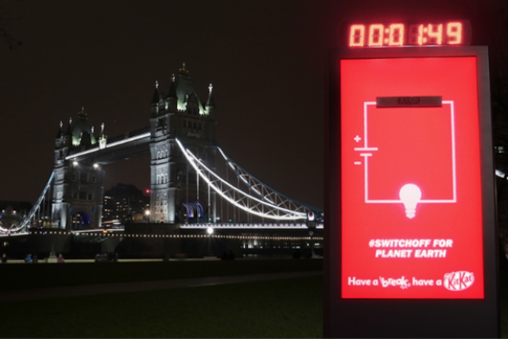 Kit Kat Billboard Switches Off In Honor Of Earth Hour