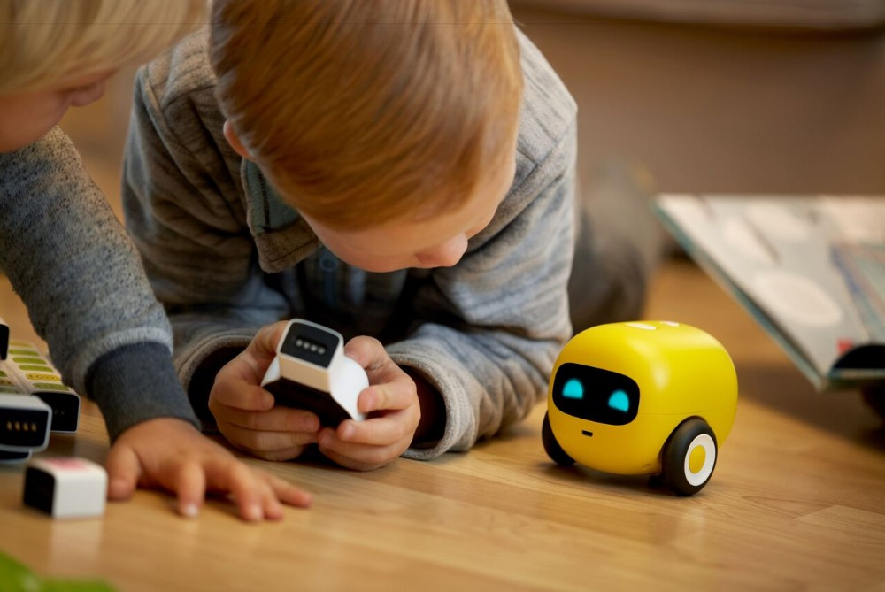 Toy Teaches Toddlers Coding Without Screens