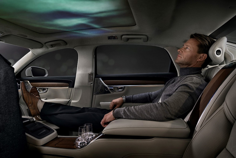 Volvo Concept Calms With Scent, Audio & In-Car Projection
