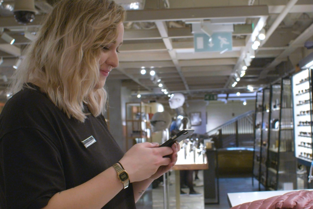 Live-Shopping Platform Connects Online Customers To In-Store Staff
