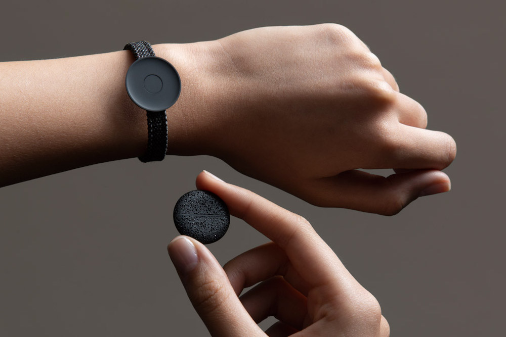 Bracelet Allows Consumers To Safely Store Cryptocurrency