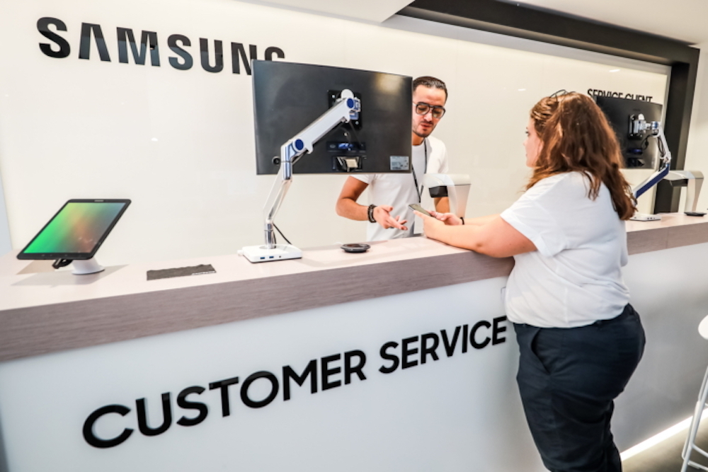 Samsung's Customer Service Zone Promises To Fix Smartphones In Just One Hour
