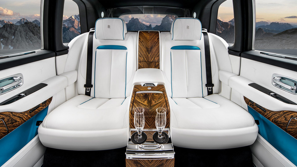 Rolls-Royce SUV's Glass Partition Lets Passengers Ride In Quiet Isolation