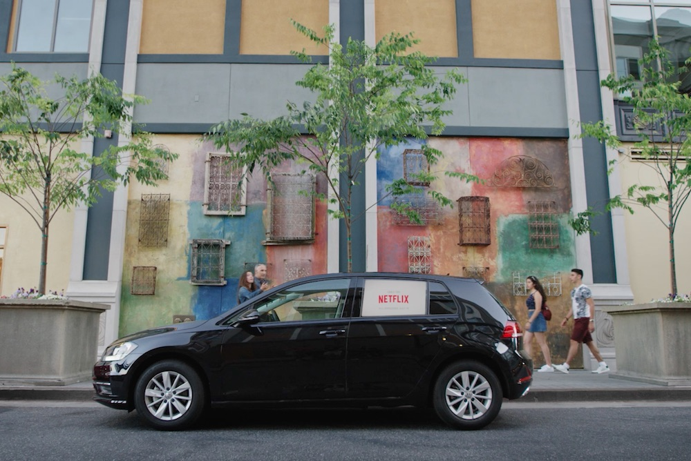 Startup Turns Rideshare Vehicles Into Location-Aware Adverts