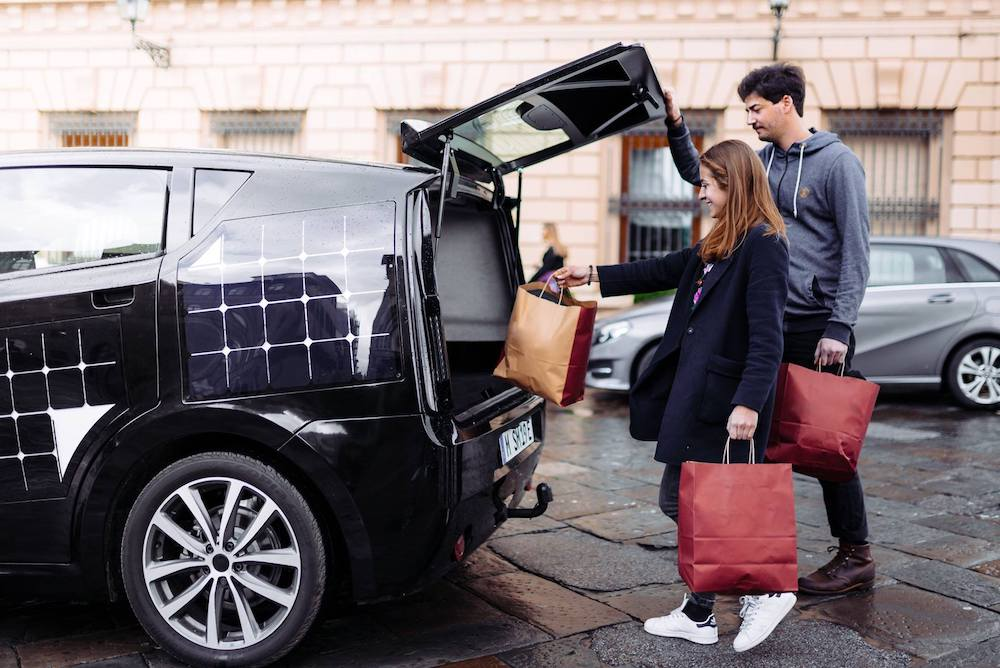 Electric Car Offers Drivers A DIY Repair Manual, Natural Air Purifier And Solar Cells