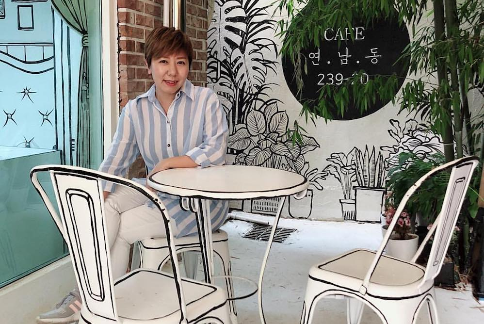 Graphic Trompe-L'Oeil Cafe Design Lets Guests Live In A Cartoon