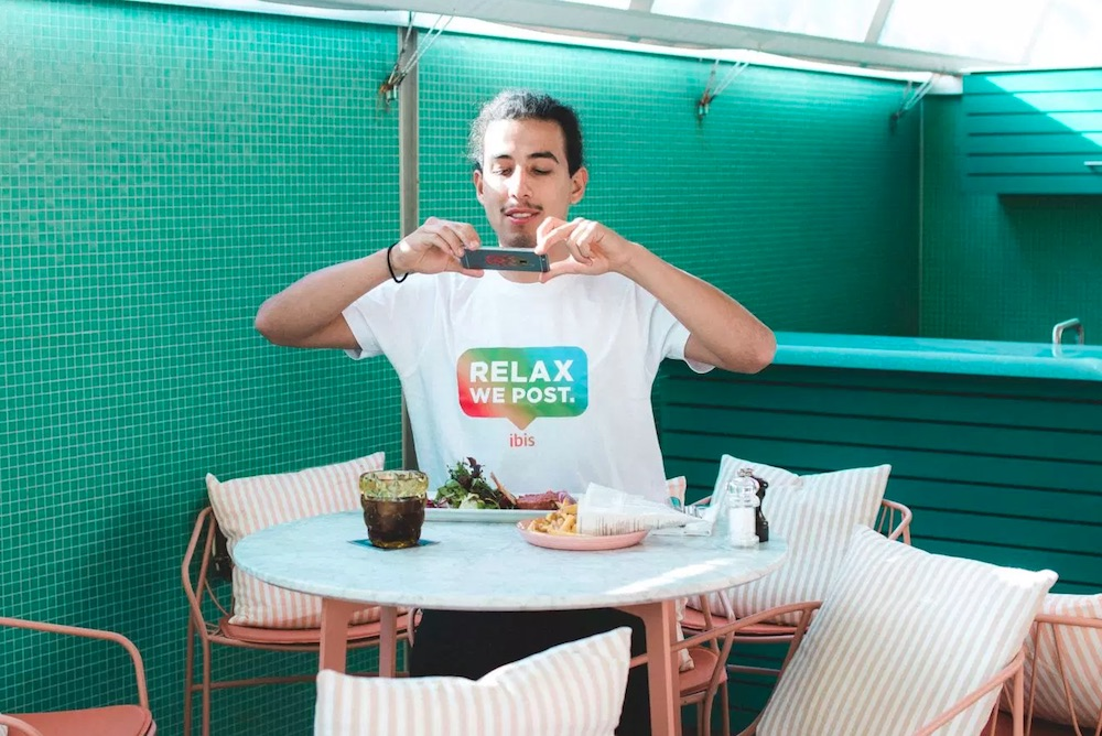 """Ibis Hotel Guests Can Relax While """"Social Media Sitters"""" Post Their Vacation Photos"""
