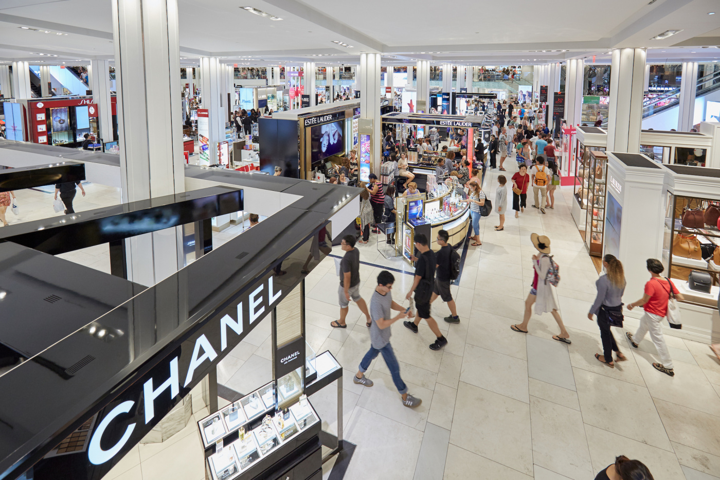 Interview A Macy S Fragrance Experience Points To The Future Of The Department Store